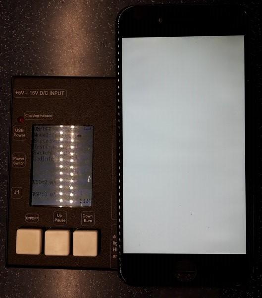 testování LCD displeje Apple iPhone 6
